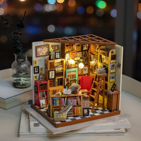 Simon's Study DIY Miniature